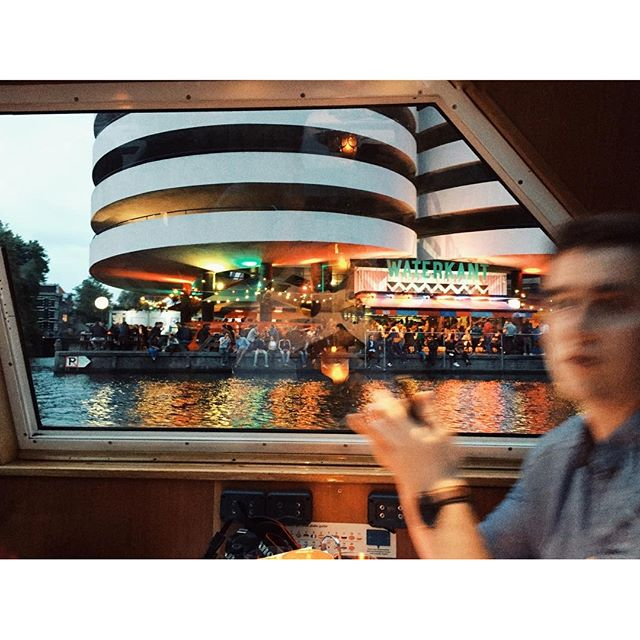 Romantic cruise with Travis#grachtenfahrt #grachten #cruise #amsterdam #adam