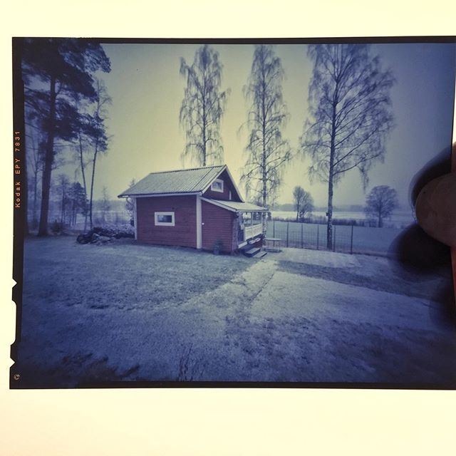 "4""x5"" Kodak Ektachrome 64T Pinhole positive with developed with Jobo ATL and fresh tetenal chemicals#e6process #largeformatfilm #pinhole #sweden #stuga #wintermood #landscape #kodak #ektachrome"