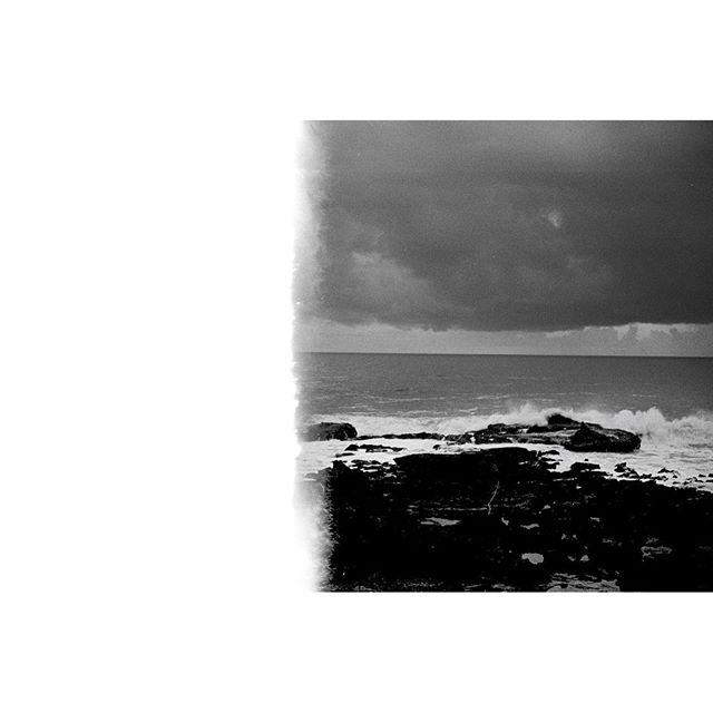 Shore, Morocco#blackandwhite #bnw #monochrome #instablackandwhite #monoart #insta_bw #bw #monotone #monochromatic #noir #fineart_photobw #sw #schwarzweiss#minoltacle #analogue #filmphotography #tmax #kodak